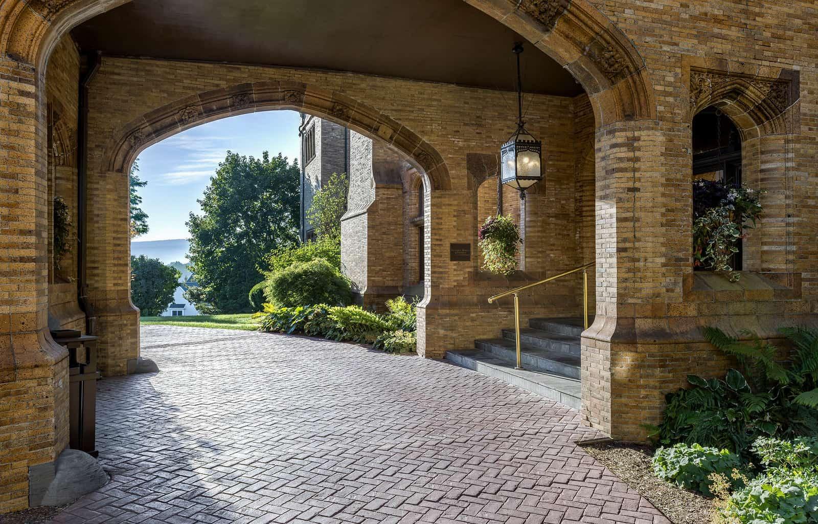 Wyndhurst Entrance